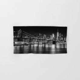 MANHATTAN SKYLINE & BROOKLYN BRIDGE Nightly Impressions | Panoramic Monochrome Hand & Bath Towel