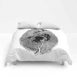 Mark of a great detective Comforters