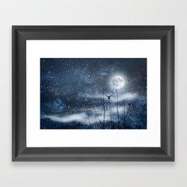 Call of the moon Framed Art Print