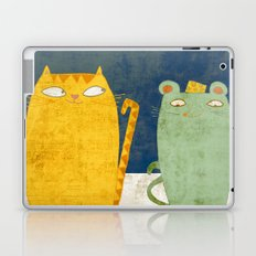 Cat-mouse friendship Laptop & iPad Skin