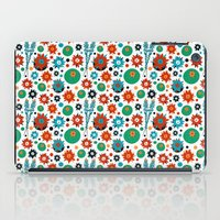 headdress iPad Cases featuring Headdress by Vannina