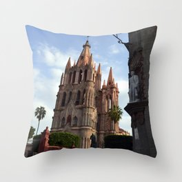 church san Miguel de allende Throw Pillow