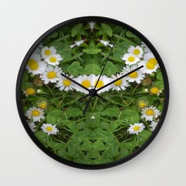 Daisy Necklace Wall Clock