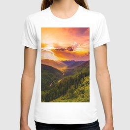 Beautiful Sunset Mountains Valley Landscape T-shirt