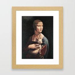 dama col chihuahua Framed Art Print