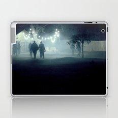 evening stroll Laptop & iPad Skin