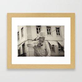 Artiste de rue Lisbon Framed Art Print