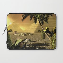 Pyramid in the sunet Laptop Sleeve