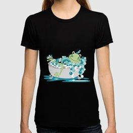 Frog in Bath Tub Kids Shower Bathroom Art T-shirt