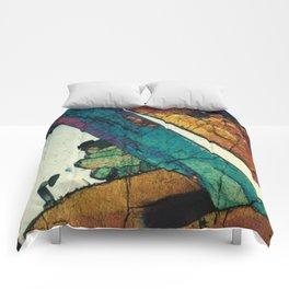 Epidote in Quartz Comforters
