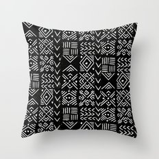Mudcloth 3 black and white minimal pattern linocut print abstract Throw Pillow
