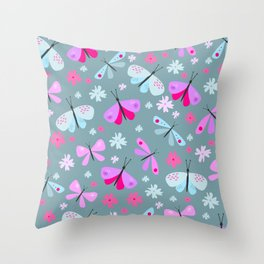 butterflies love Throw Pillow