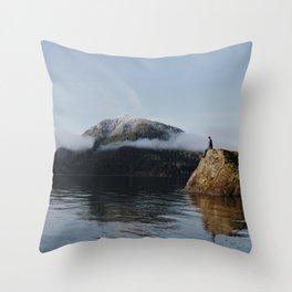 mount views Throw Pillow