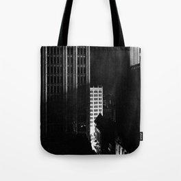 architecture immeuble noir blanc 4 Tote Bag