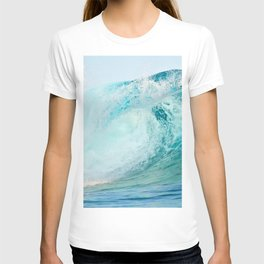Pacific big surfing wave breaking T-shirt