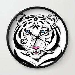 Tiger of winter | O Tigre do inverno Wall Clock