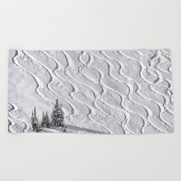 Powder tracks Beach Towel