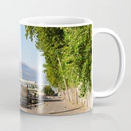France, Bridge Bir Hakeim, Paris Coffee Mug