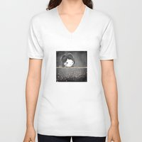 bed V-neck T-shirts featuring Bed star by munieca