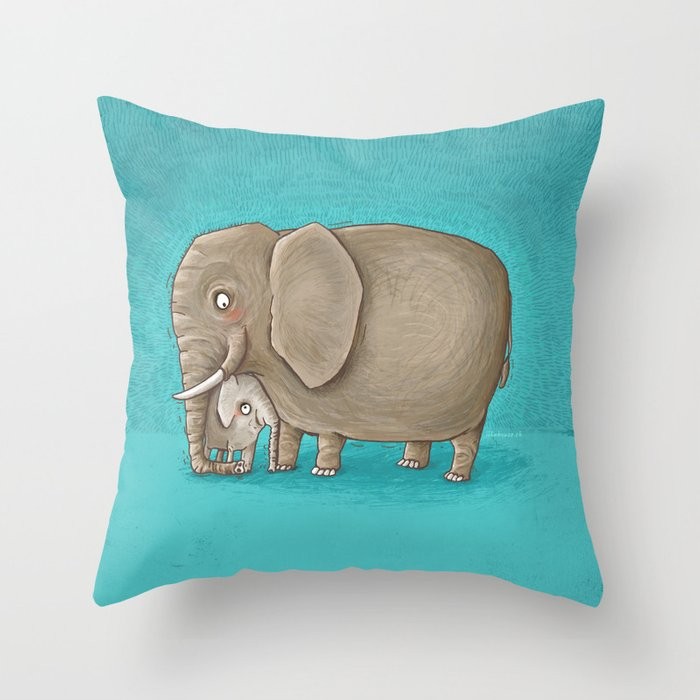 trunk nest Throw Pillow