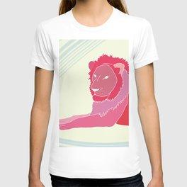 magenta lion T-shirt