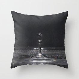 Water Drop's Throw Pillow