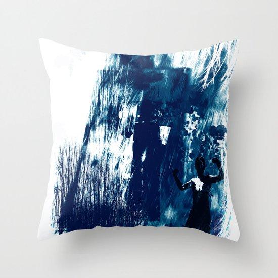 storm powerade Throw Pillow