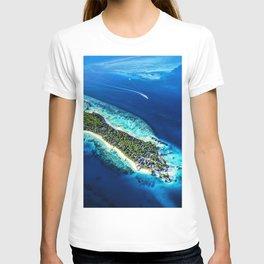 Jumeirah Vittaveli islands paradise South Male Atoll Maldives ocean HDR T-shirt