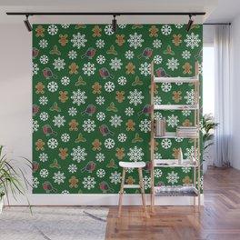 Christmas / Winter Robin Holly Gingerbread Man Snowflakes Pattern Green Wall Mural