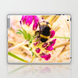 bumble been on a dune flower Laptop & iPad Skin