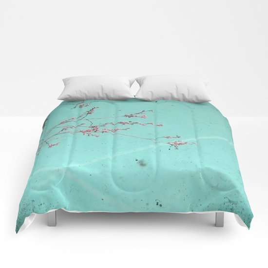 A Kiss in the Sky Comforters