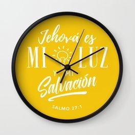Mi luz y salvación Wall Clock