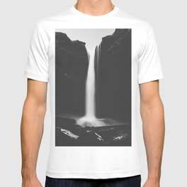 Hidden waterfall - Landscape and Nature Photography T-shirt