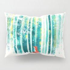 Fox in quiet forest Pillow Sham