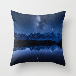 Night mountains Throw Pillow