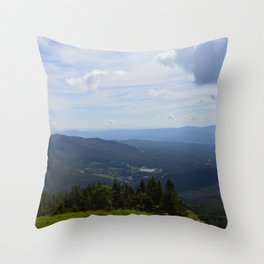 Stowe, Vermont Mountains Throw Pillow