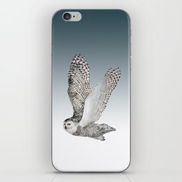 Snowy Owl in Flight 2  iPhone Skin