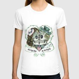 Skull Couple Always Kiss Me Goodnight T-shirt