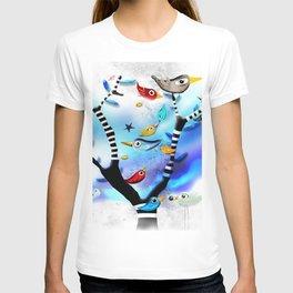 Bids striped black and white tree nursery sky - Rupydetequila Art T-shirt