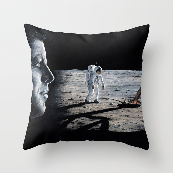 Achieving the goal Throw Pillow