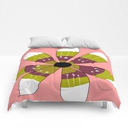 FLOWERY BRITTA  / ORIGINAL DANISH DESIGN bykazandholly Comforters