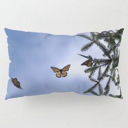 Monarchs flying Pillow Sham