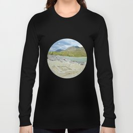 sandy beach on the river Katun, Altai Mountains, Siberia, Russia Long Sleeve T-shirt