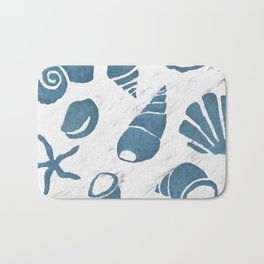 Azure South pacific sea shells - white marble Bath Mat