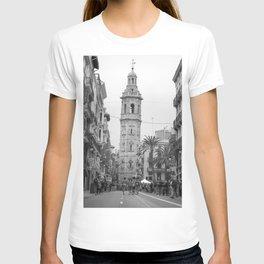 Black White Architecture in Valencia T-shirt