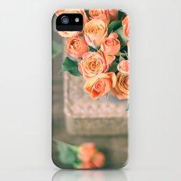 Rosas naranjas iPhone Case