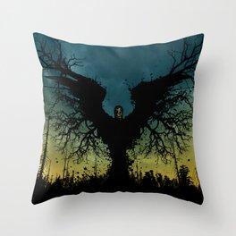 Frayeur Ravissante (Ravishing Grimness) Throw Pillow