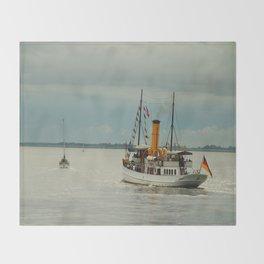 Steamboat Schaarhoern Throw Blanket