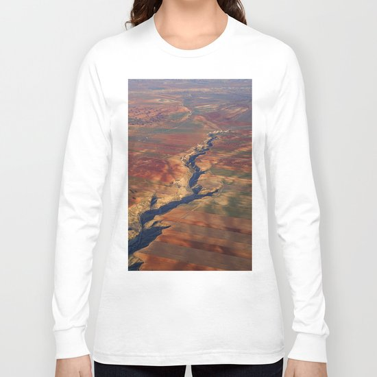 Wounds in the ground Long Sleeve T-shirt