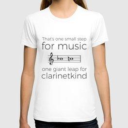 Crossing the break (clarinet) T-shirt
